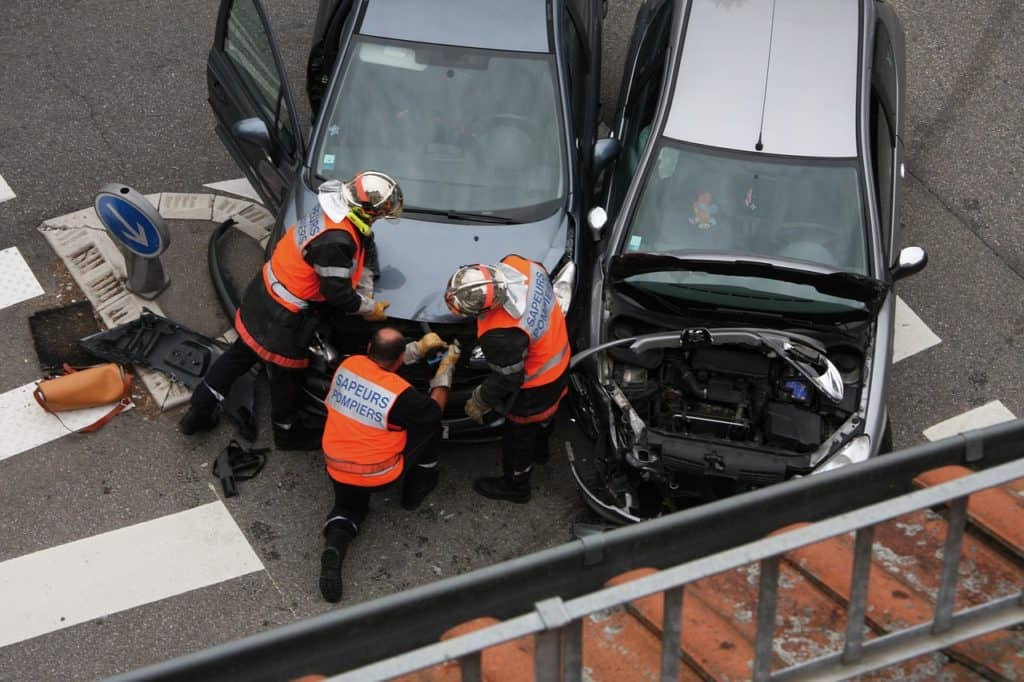 התנגשות הין כלי רכב